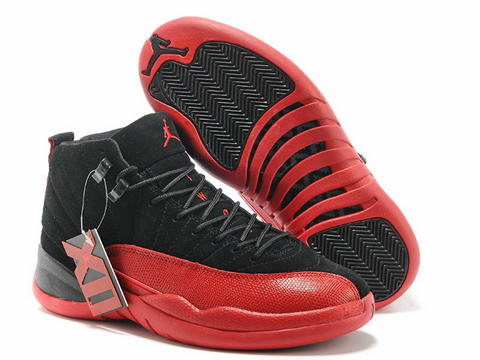Air Jordan 12 XII Retro Shoes black/fushion red