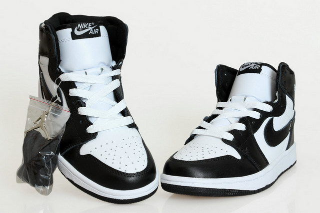 Air Jordan 1 Retro Shoes black/white
