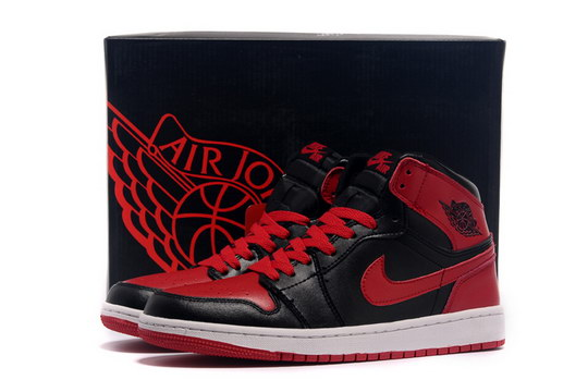 Air Jordan 1 Retro Shoes Black/red