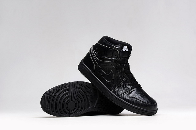 Air Jordan 1 Retro Shoes Black