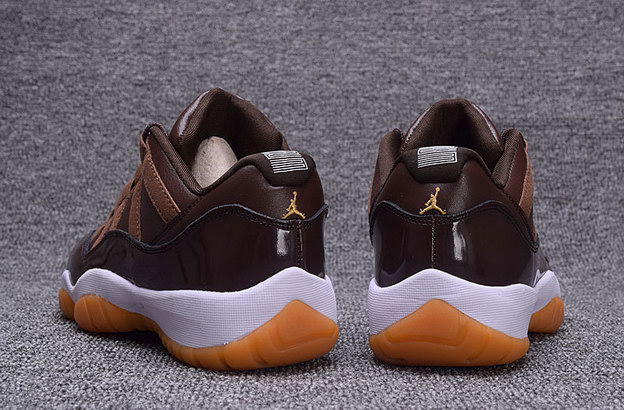 Air Jordan 11 Low Shoes Chocolate/Gum white
