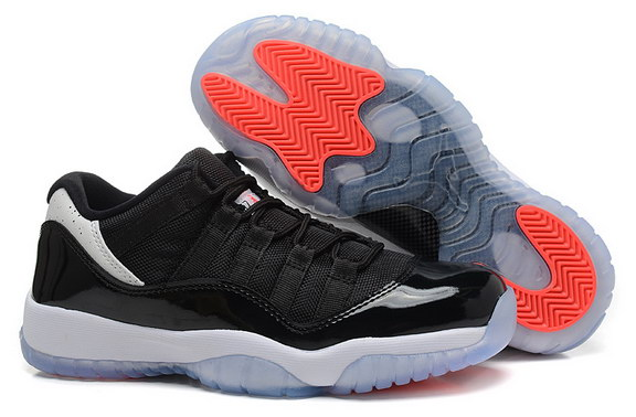 Air Jordan 11 Low Womens Shoes Black/white