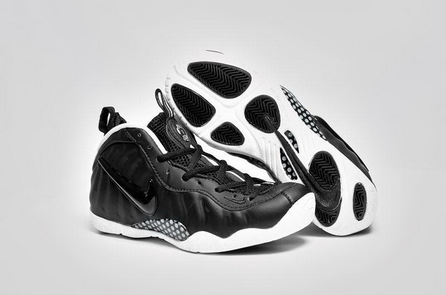 "Womens Air Foamposite Pro ""Oreo"" Shoes Black/White"